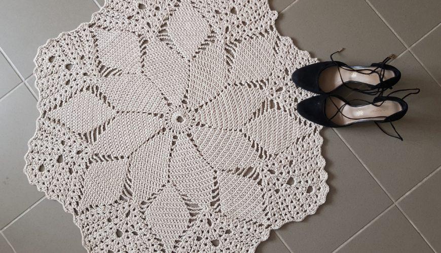 Kötélből horgolt kerek szőnyeg